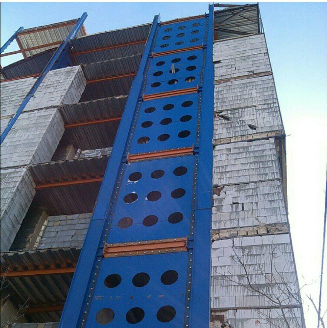 سازه فولاد، مهندسین داریان: اجراي سيستم هاي نوين فولادي... که دارای همه خصوصیات خوب سیستم های مهاربندهای متمرکز (CBF) مانند X و V شکل و سیستم های خارج از مرکز (EBF) بوده و در بسیاری از موارد بهتر عمل می کند.